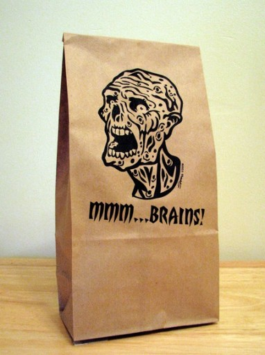 zombie-lunch-bag-382x510